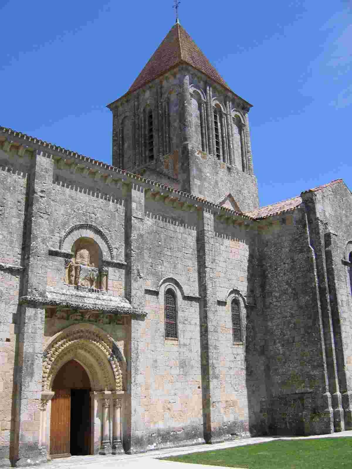Melle, Saint Pierre