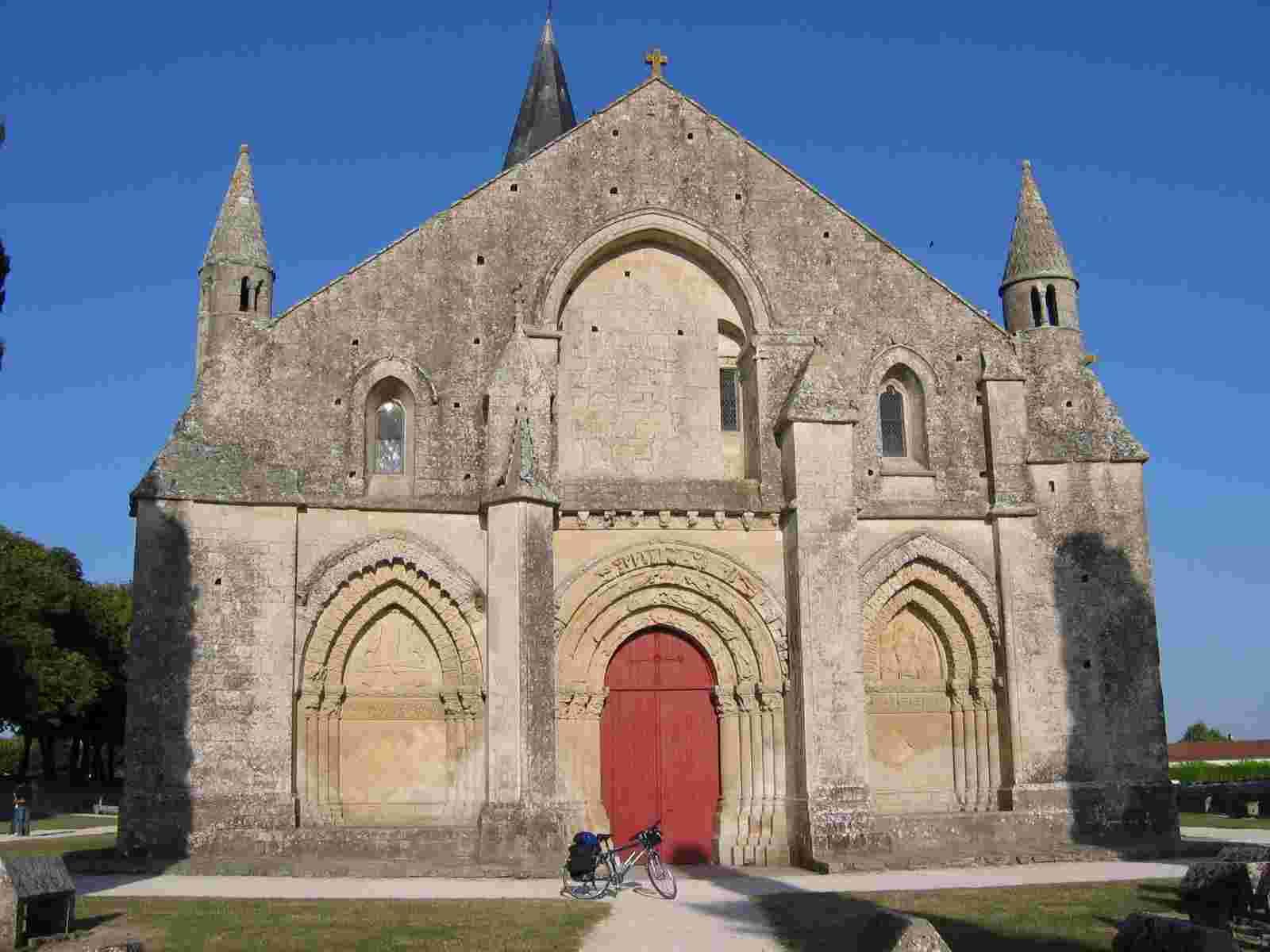 Aulnay en Saintonge, Westwerk