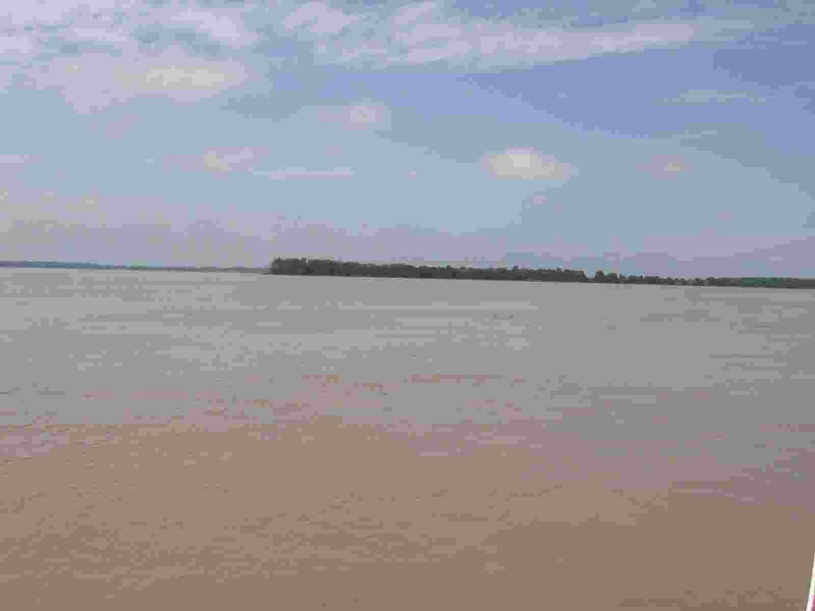 die Gironde bei Blaye fast fünf Kilometer breit
