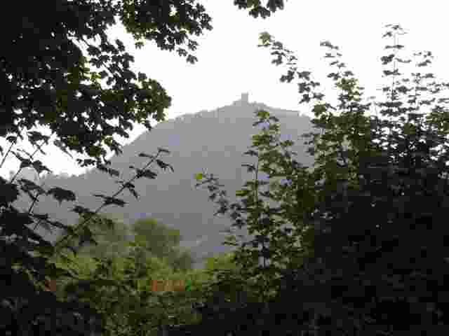 den Drachenfels in Sichtweite; meine erste Nacht im Zelt