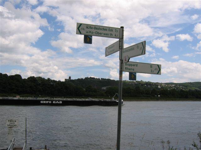 für mich geht's rechts weiter Rhein aufwärts