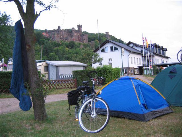 Camping in Trechtingshausen mit Burg Reichenstein