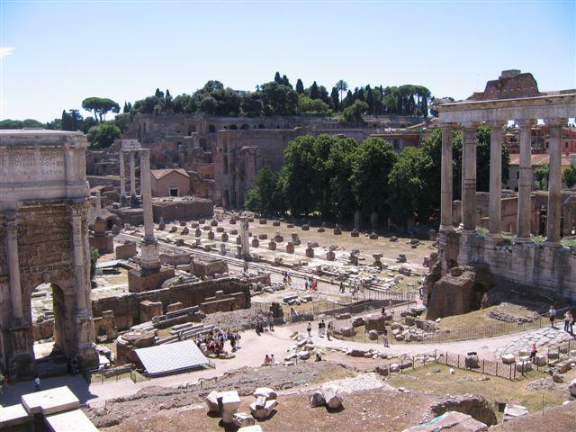 vom Forum Romanum zum Palatin